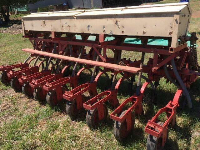 9 row fine seed planter