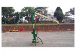 Hydraulic lift crane